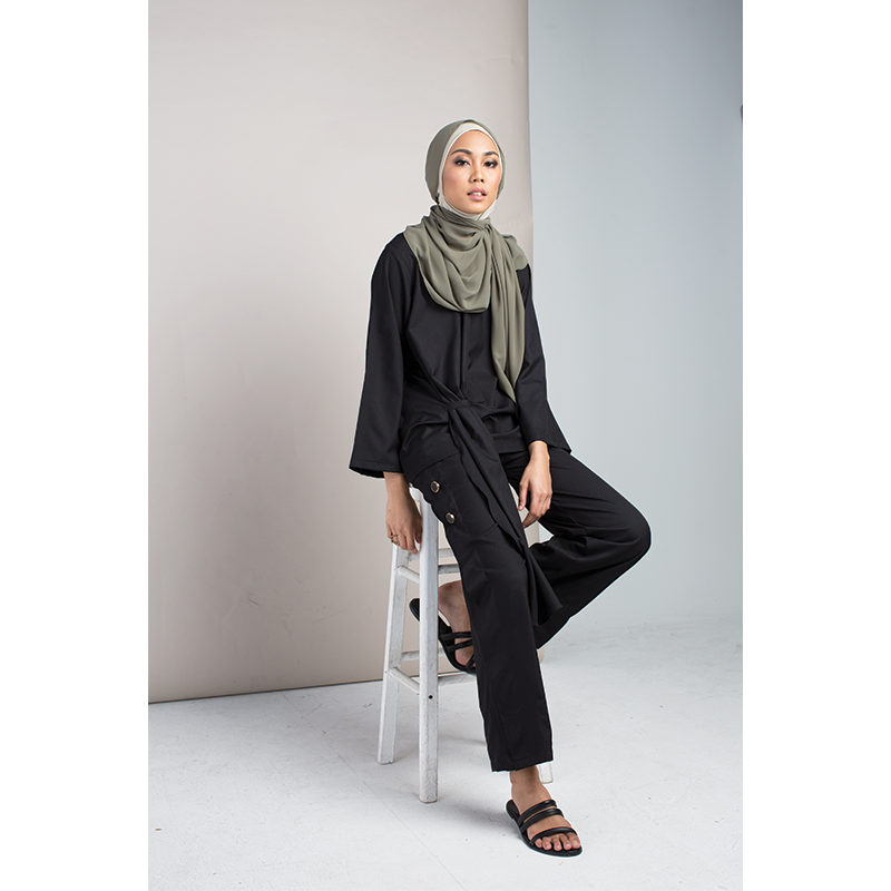Novellus - Rails Top in Black